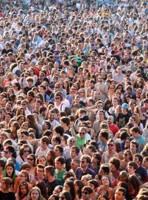 crowd-min