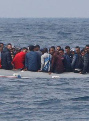 immigrants-at-sea